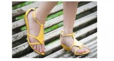 サンダル_素足のお手入れ&素足を美しく見せる方法